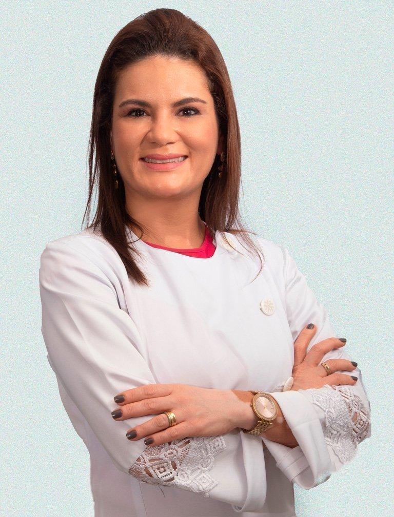 Foto da Doutora Carine Veloso e Carvalho